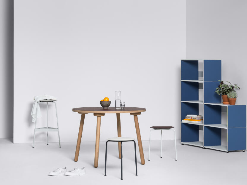 Freely configured shelf with steps